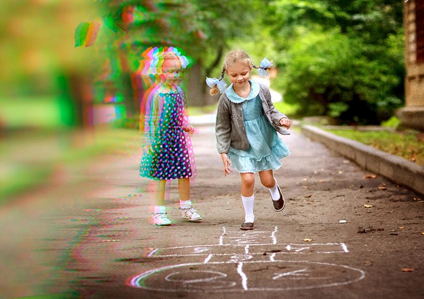 "Девочки прыгающие по цифрам на земле. ""Переходи на цифру"" - акция от ""СевСтар"" для выгодного перехода на цифровое ТВ после отключения аналогового вещания в 2019г."